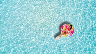 This new app is basically Airbnb, but for pools!