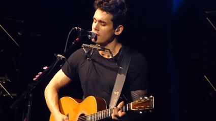 "John Mayer Covers Beyonce's ""XO"" In Sydney"